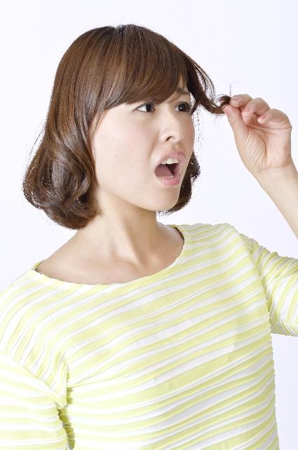産後の抜け毛はいつまで?原因と対策について紹介します。