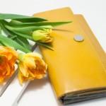 長財布と二つ折り財布選び方と買い替え時期で変わる運気UP